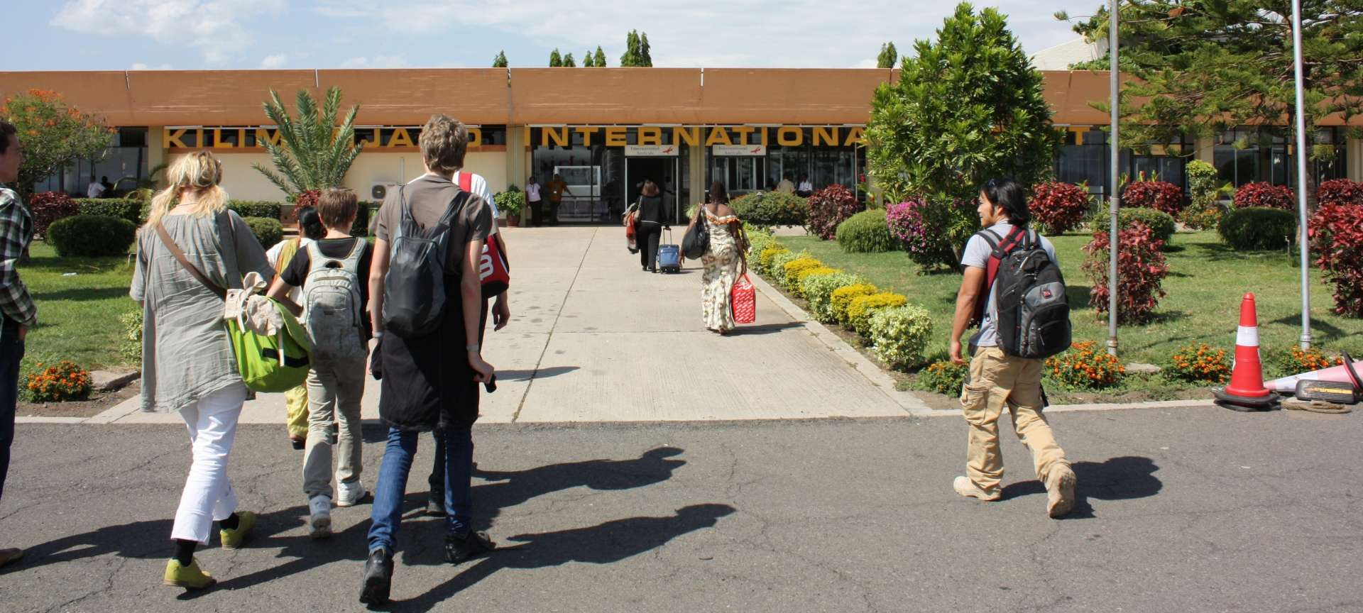 arrival_entrance_from_the_airfield_to_kilimanjaro_international_airport__1920x864.jpg